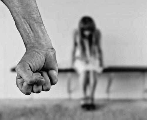 Denúncia de violência doméstica agora é obrigação do condomínio